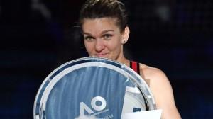 tennis-aus-open-podium_0f924b82-036c-11e8-8651-33050e64100a